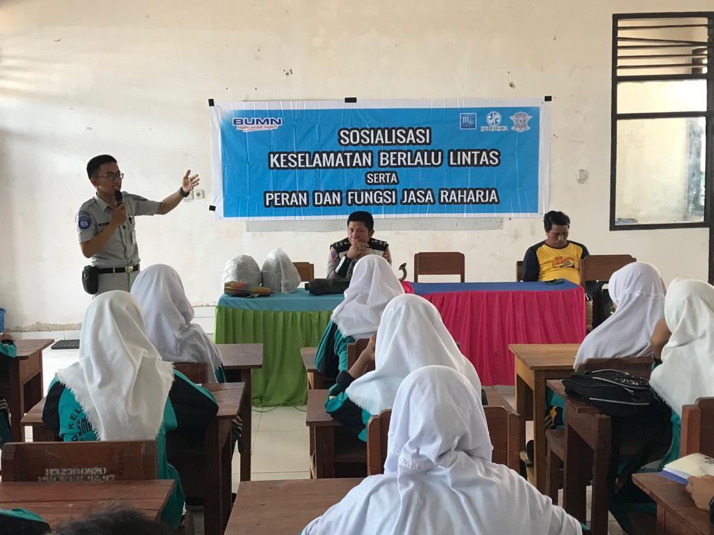 Jasa Raharja Sultra Edukasi Keselamatan Berlalulintas di SMK 1 Raha