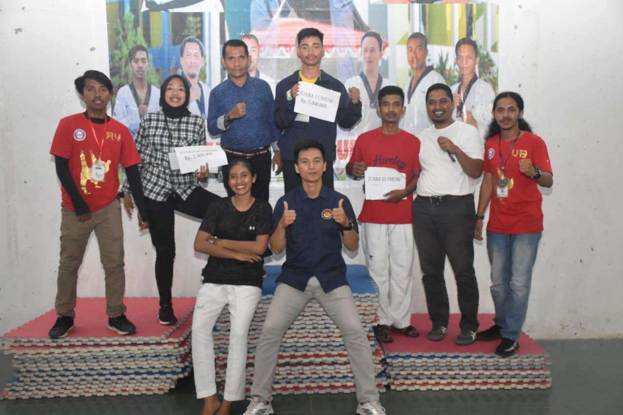 Fakultas Hukum Juara Umum Kejuaraan Taekwondo Antar Fakultas Se-UHO