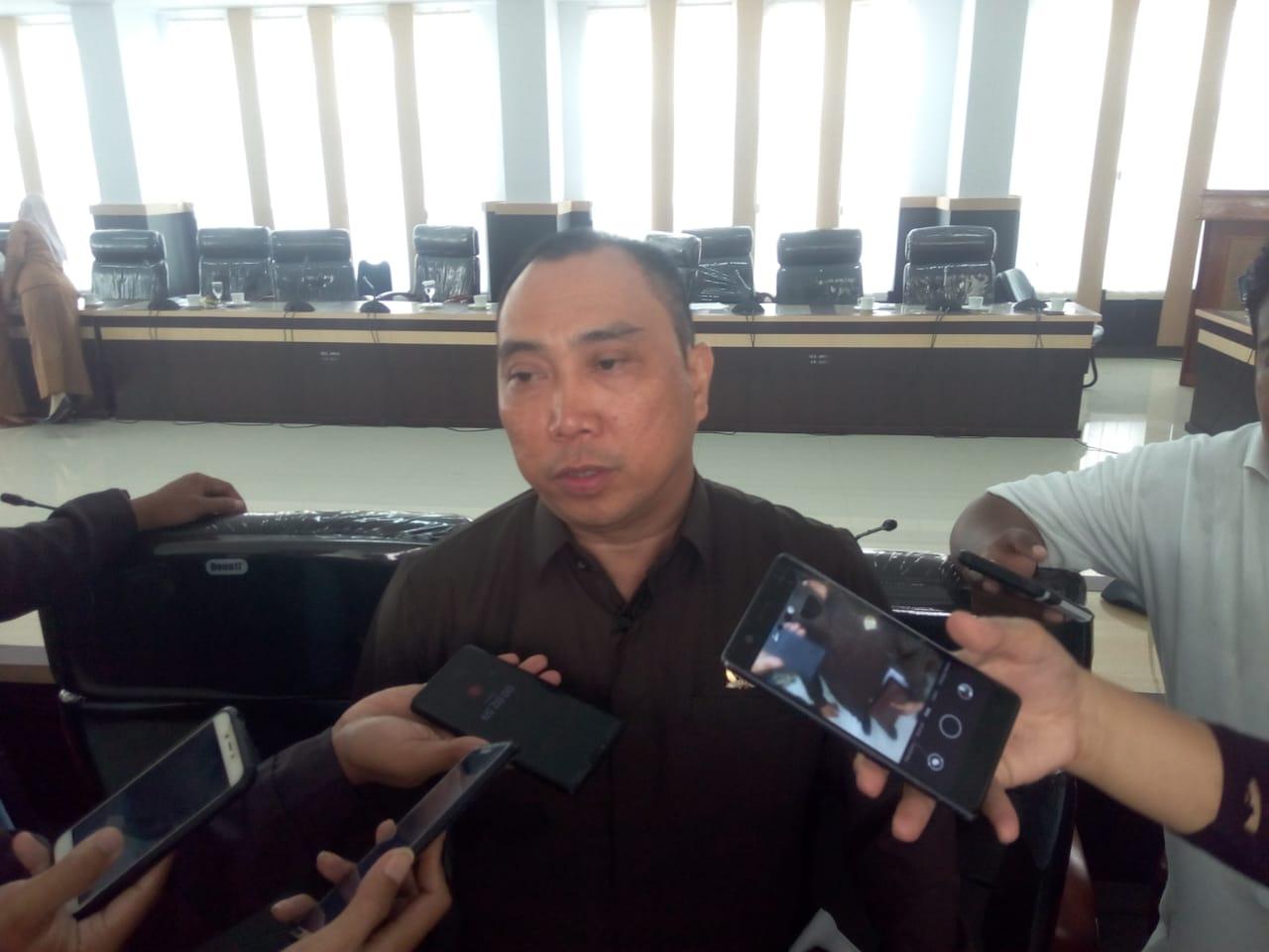 Empat Rekomendasi DPRD Kendari Soal Lapak di Sepanjang Pertigaan Kampus UHO