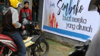 Forum Lintas Media Bagikan Paket Sembako Gratis di Kolaka