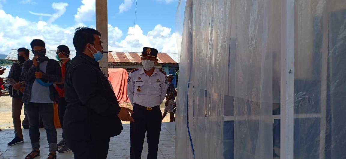 Anggota DPRD Sultra Beri Bantuan Bilik Penyemprot Desinfektan di Pelabuhan dan Rumah Sakit