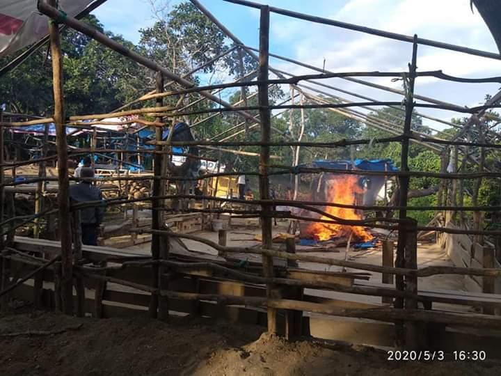 Polisi Bongkar dan Bakar Arena Sabung Ayam di Gunung Jati