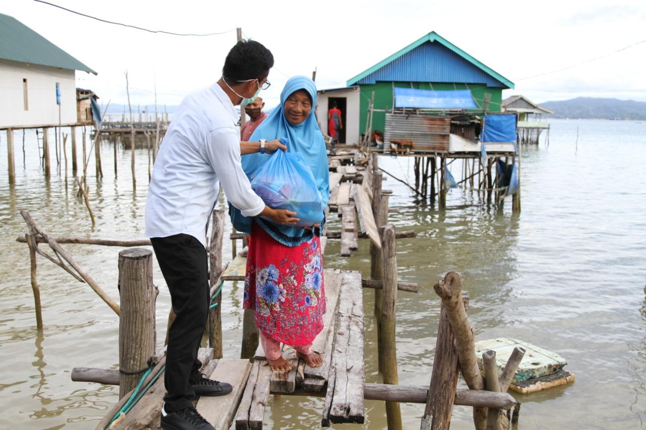Jelang Lebaran, PT. Askrindo Bagikan Ribuan Paket Sembako