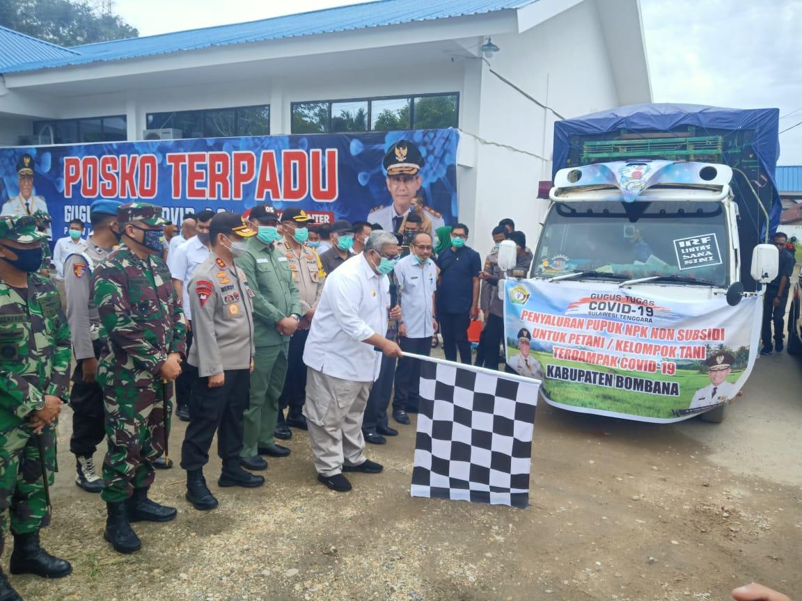 Pemprov Sultra Salurkan Pupuk di Lima Kabupaten