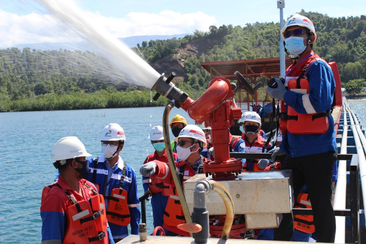 Pastikan Kelancaran Operasional Fuel Terminal Kolaka dan DPPU Haluoleo, GM Pertamina MOR VII Lakukan Management Walkthrough