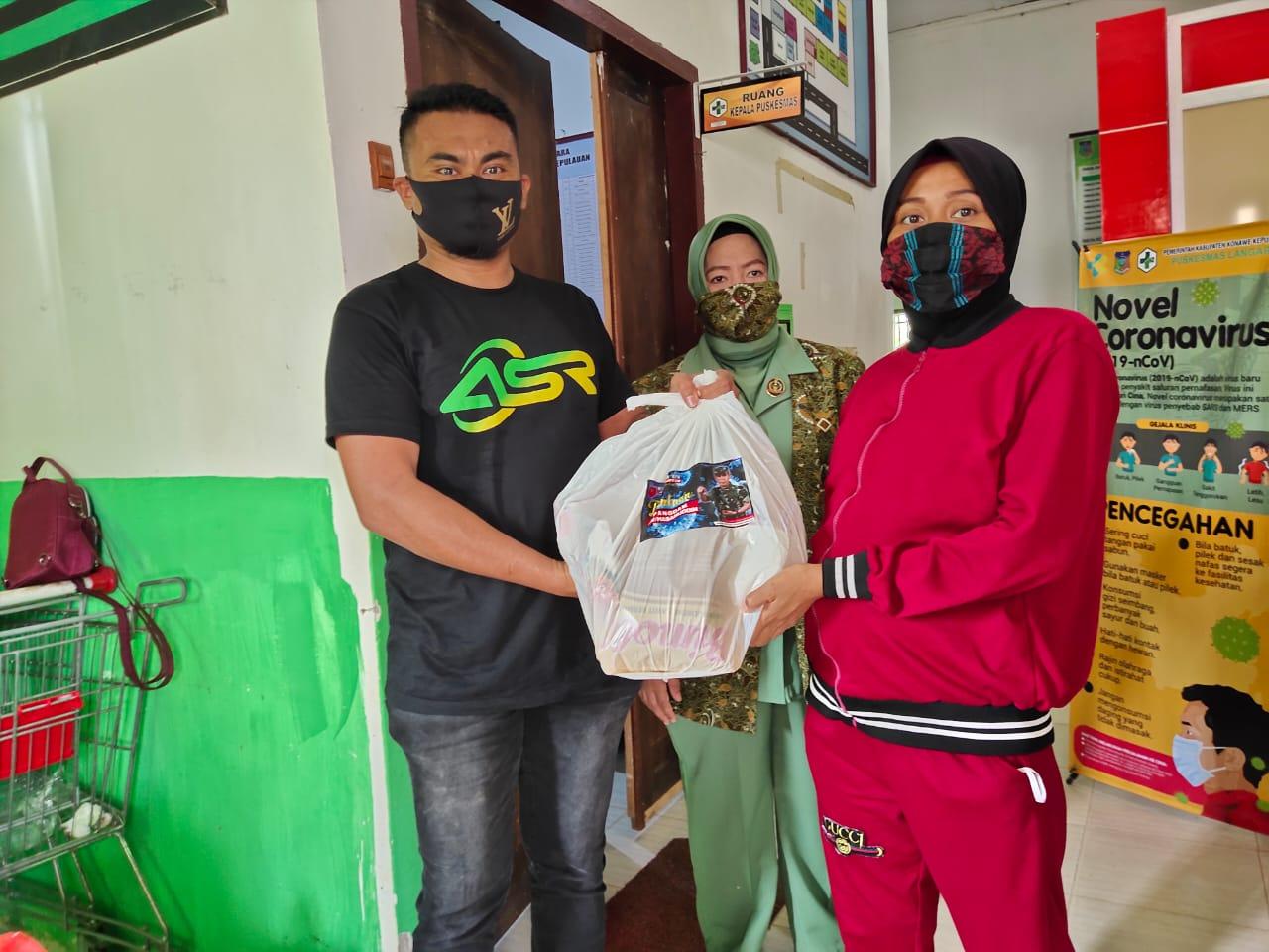 Relawan ASR Serahkan Bantuan Pangdam ke Warga Konkep