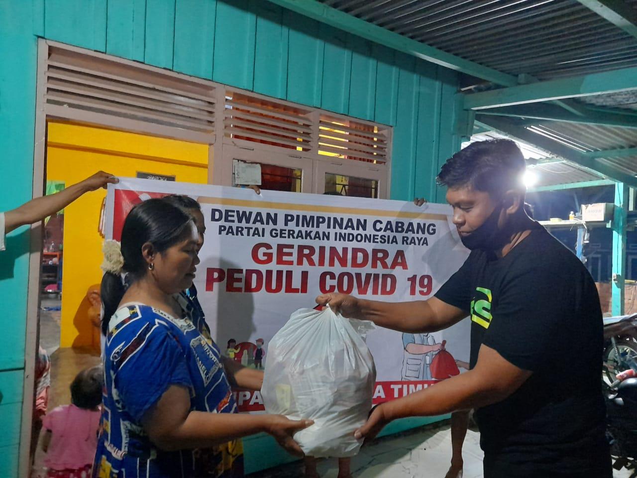 Gerindra Peduli, Bagikan 1000 Paket Sembako ke Masyarakat Koltim Terdampak Covid19