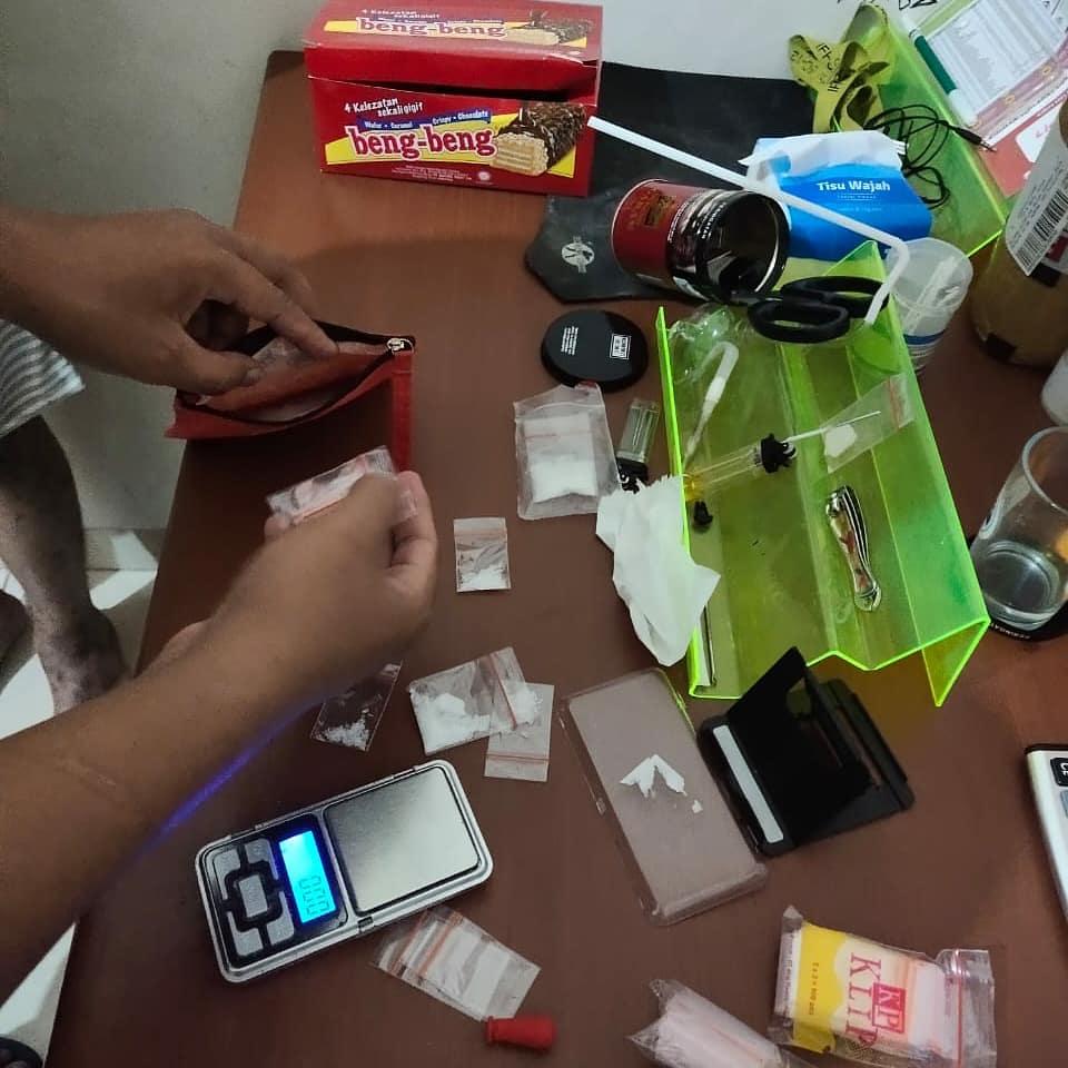Polisi Grebek Ruko yang Diduga Pabrik Sabu di Kendari, Dua Orang Diamankan