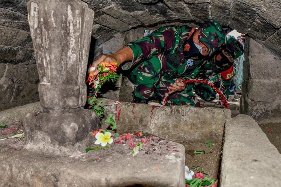 Pangdam Hasanuddin Ziarah Makam Raja Gowa dan Raja Bone