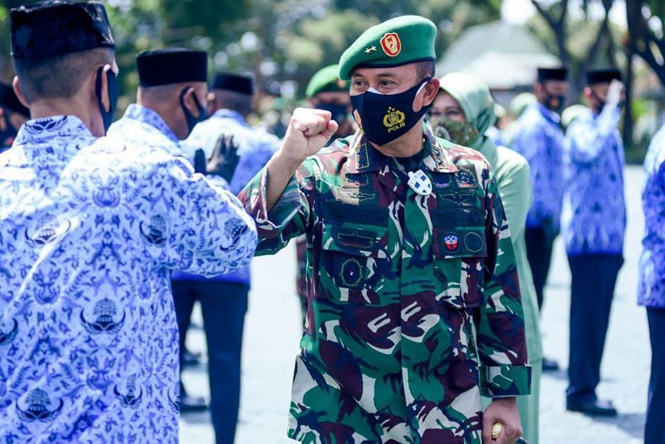 Perwira dan PNS di Jajaran Kodam Hasanuddin Naik Pangkat
