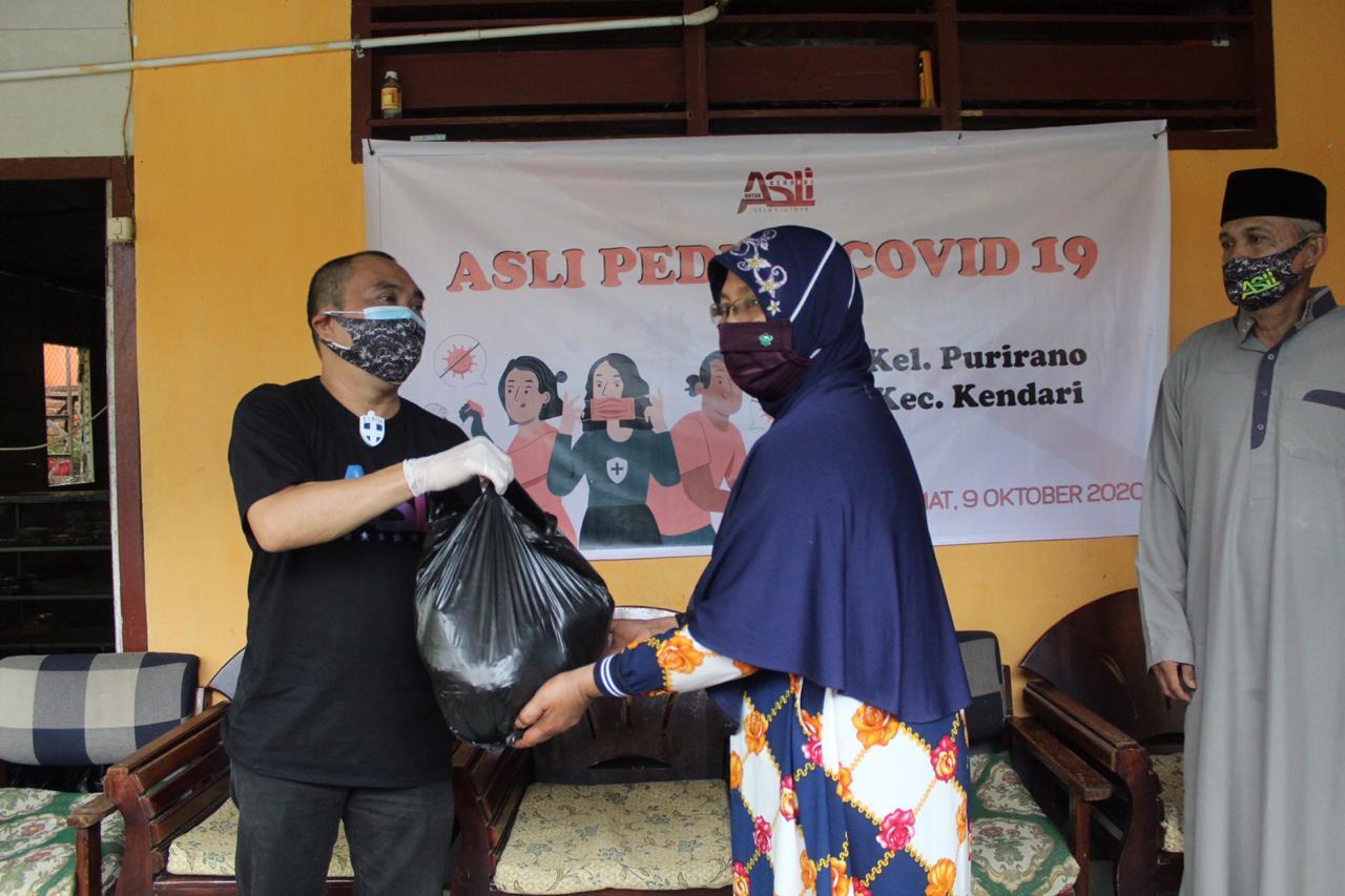 ASLI Peduli Covid19 Sambangi Kecamatan Kendari, Bagikan Ratusan Paket Sembako