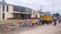 DLH Bersihkan Lingkungan Pasar Laino dari Semrawutnya Sampah-sampah