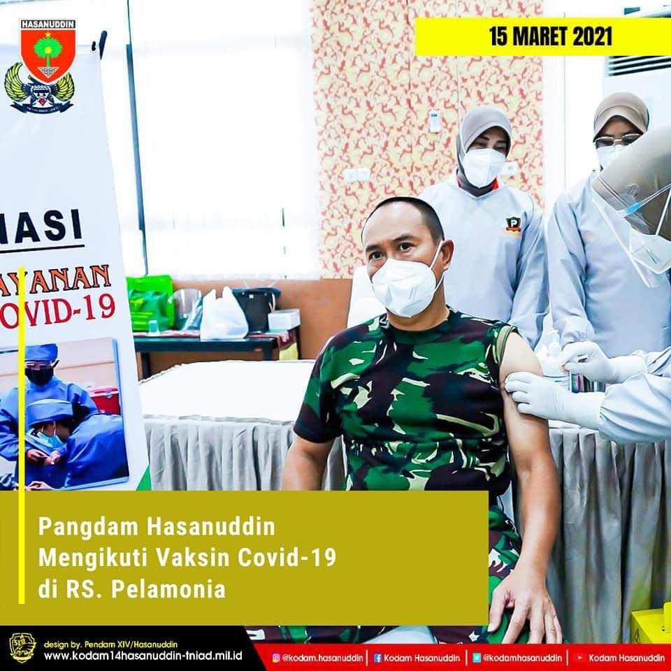 Pangdam Hasanuddin bersama Ketua Persit KCK Daerah XIV/Hasanuddin Ikuti Vaksin Covid-19