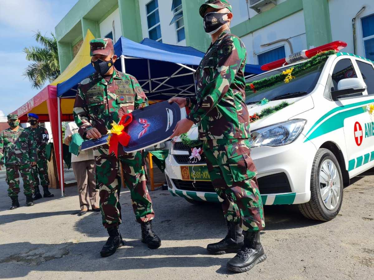 Pangdam Hasanuddin Serahkan Alat GeNose dan Ambulance ke Rs Ismoyo