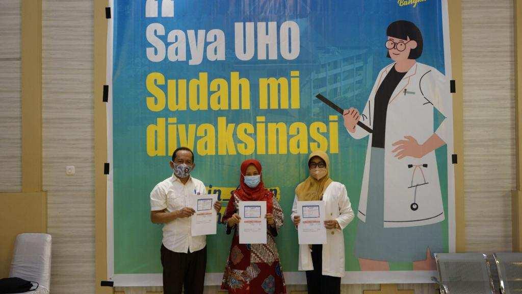 Dukung Program Pemerintah, Puluhan Pejabat UHO Hari Ini Jalani Vaksinasi