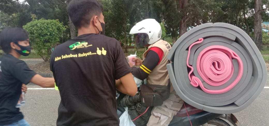 Gandeng Komunitas Motor, Pemuda ASR Berbagi Takjil Buka Puasa di Konawe