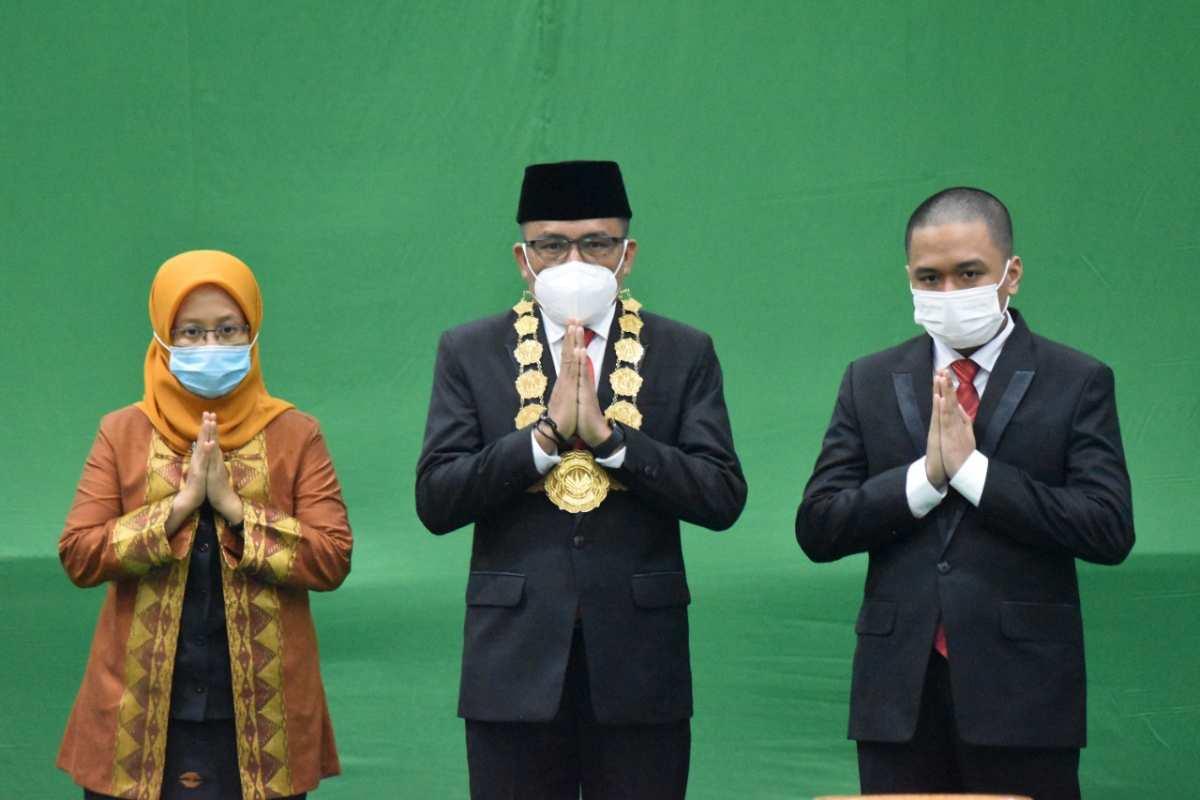 Resmi Dilantik Menteri Nadiem, Prof Zamrun Resmi Dua Periode Pimpin UHO