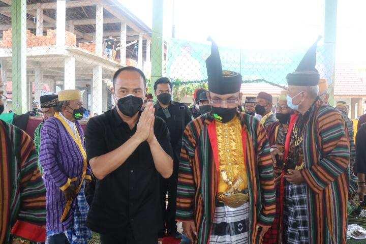 Berkunjung ke Wakatobi, Andi Sumangerukka Bantu Rehab 1 RTLH dan 1 Musala