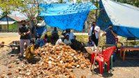 Relawan ASR Konkep Perkenalkan Andi Sumangerukka ke Perajin Kopra